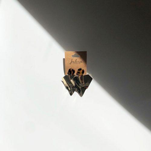 081-driehoek-oorbellen-met-gevlekt-detail-first